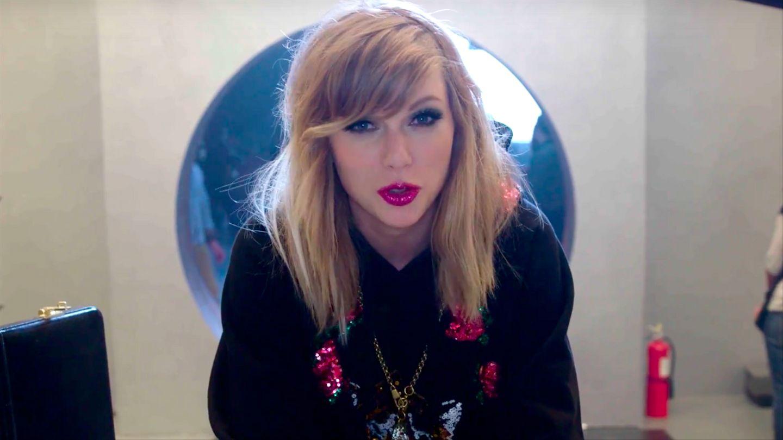 Stream Taylor Swift lover