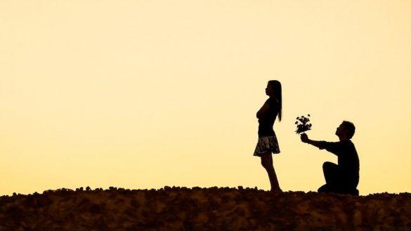 Latest Love Heart Touching Shayari in Hindi for Girl Friend
